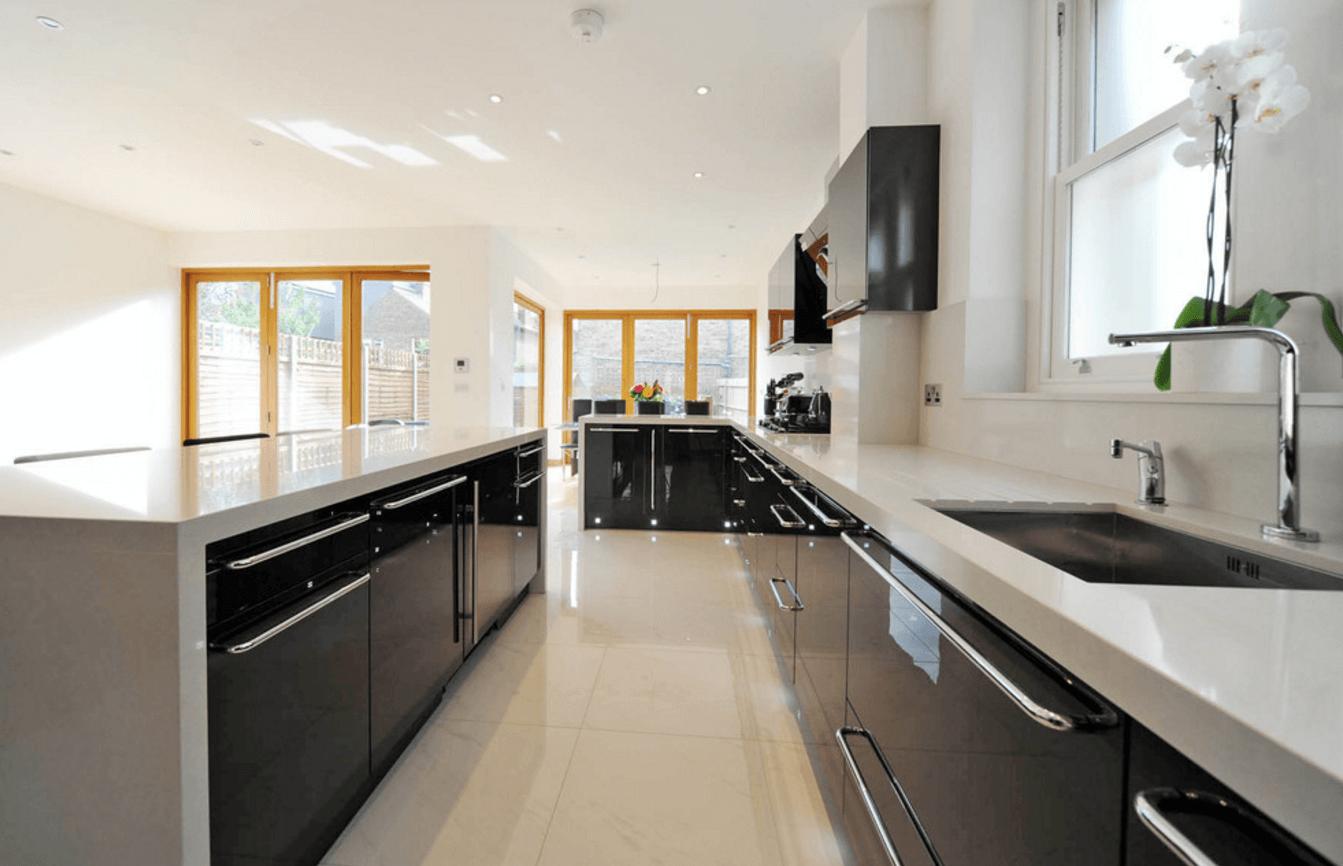 Чёрный цвет в дизайне кухни - фото 13