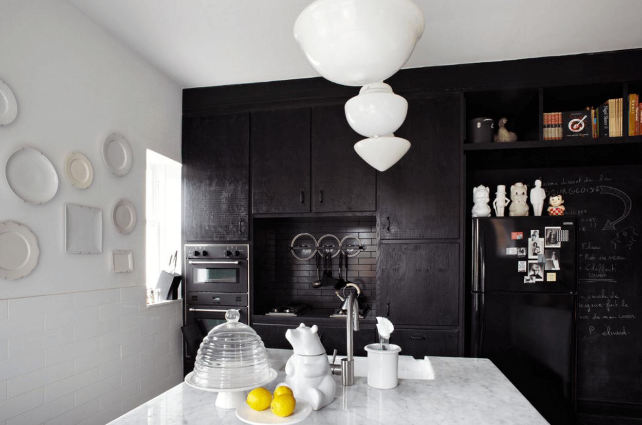 Чёрный цвет в дизайне кухни - фото 22