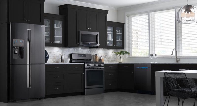Фото кухни черного цвета
