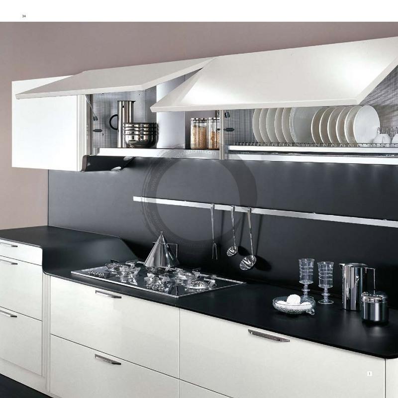 Чёрный фартук и столешница в интерьере кухни