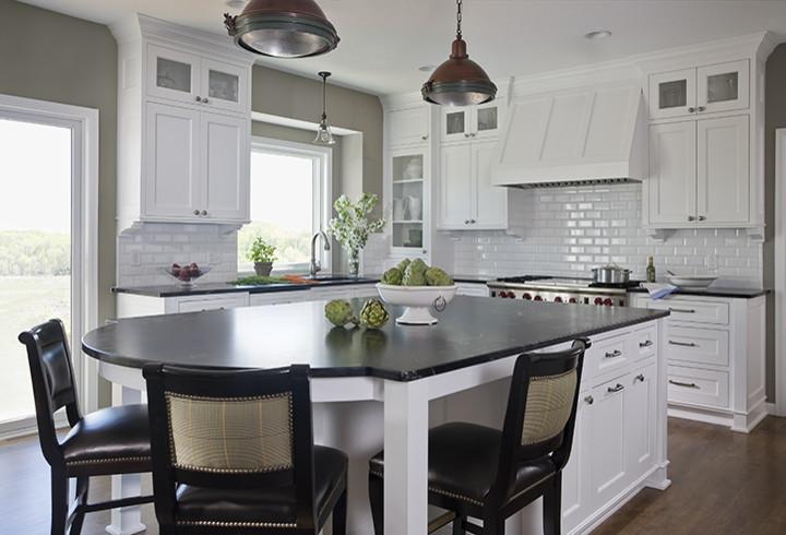 Оригинальный дизайн интерьера кухни в классическом стиле от Casa Verde Design