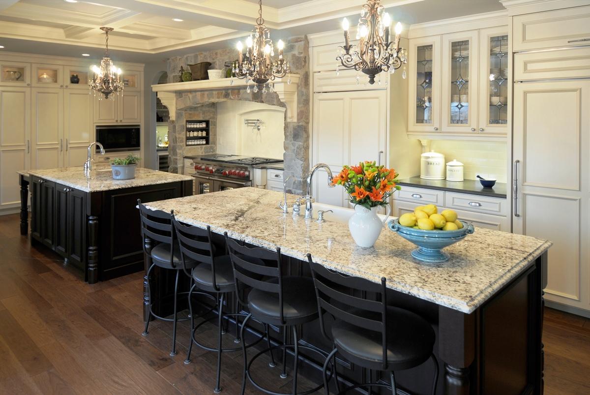 Оригинальный дизайн интерьера кухни в классическом стиле от Rebekah Zaveloff | KitchenLab