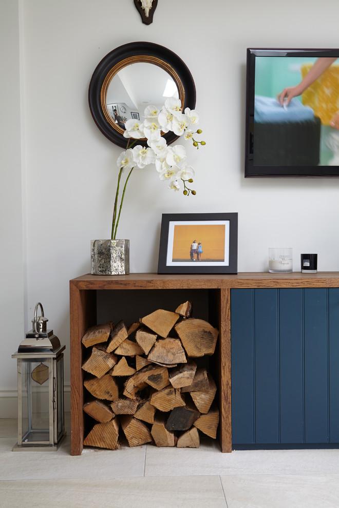 Шкаф с дровами для камина