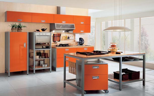 Стильный дизайн интерьера кухнив оранжевом цвете от ladimoradesign.com
