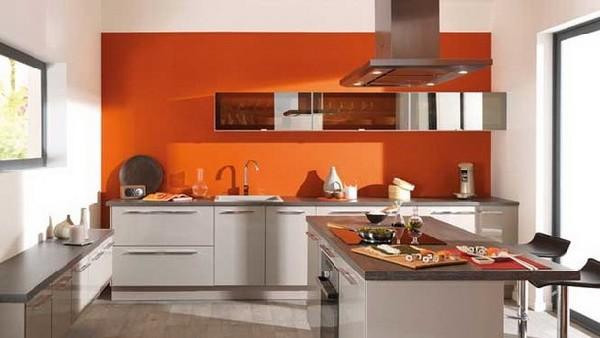 Серый мебельный гарнитур Anvers  в оранжевой кухне