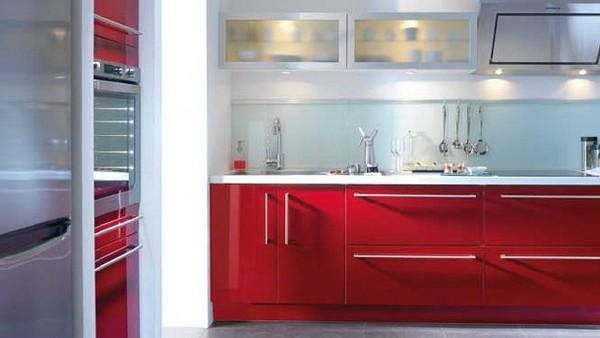 Красный мебельный гарнитур в ретро-мотивах кухни Elite Rubis
