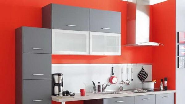 Минималистский дизайн интерьера кухни в серой гамме
