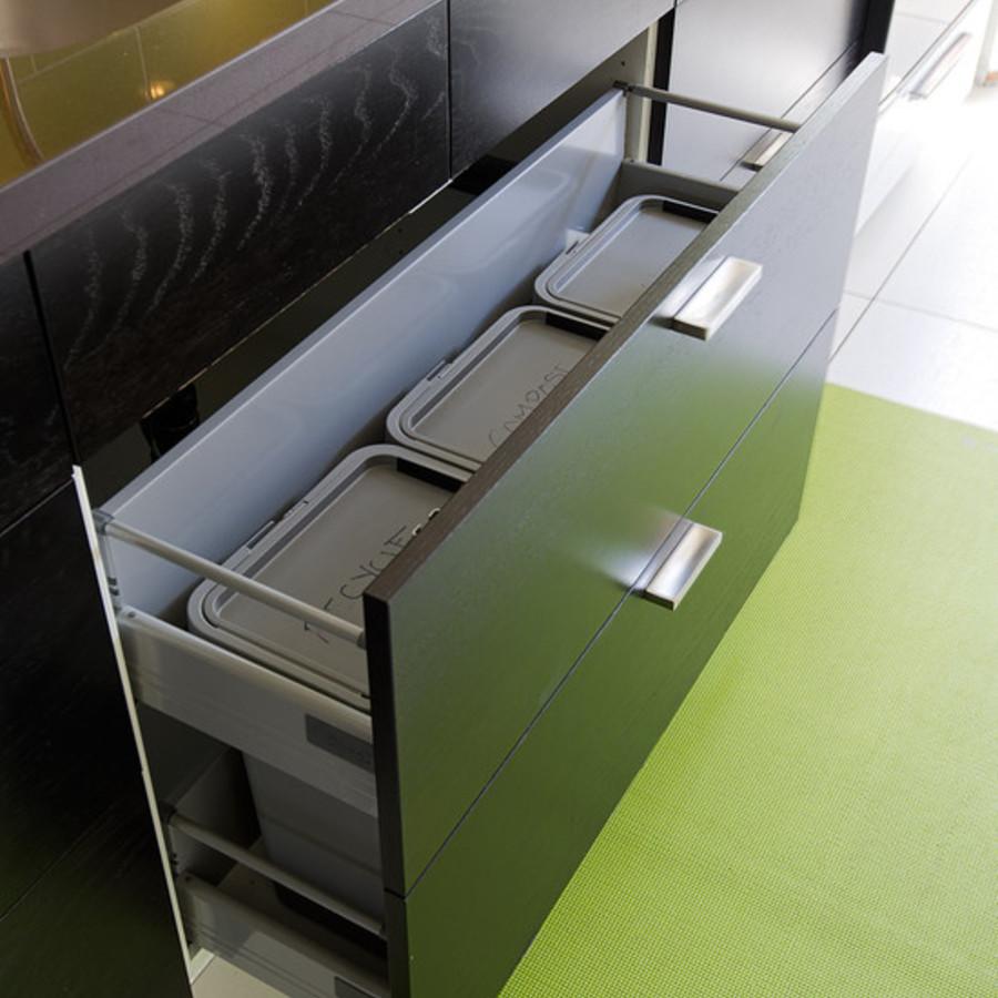 Выдвижные ящики с контейнерами