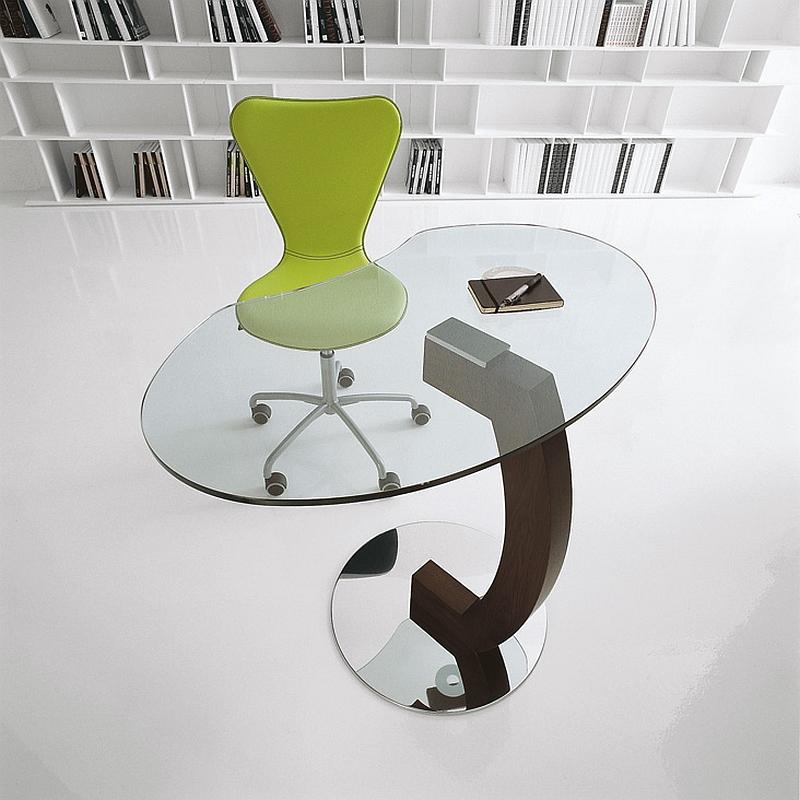Функциональный столик со стеклянной столешницей