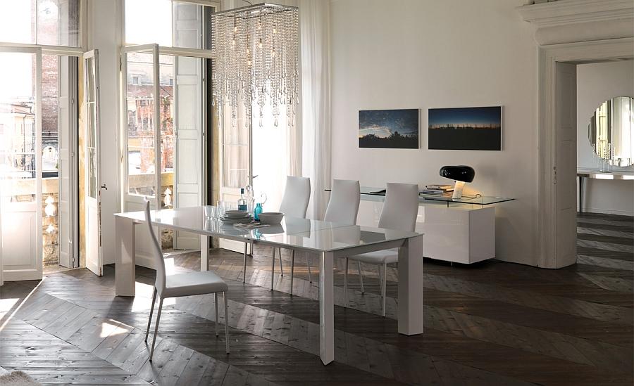 Оригинальный прямоугольный стол со стеклянной столешницей