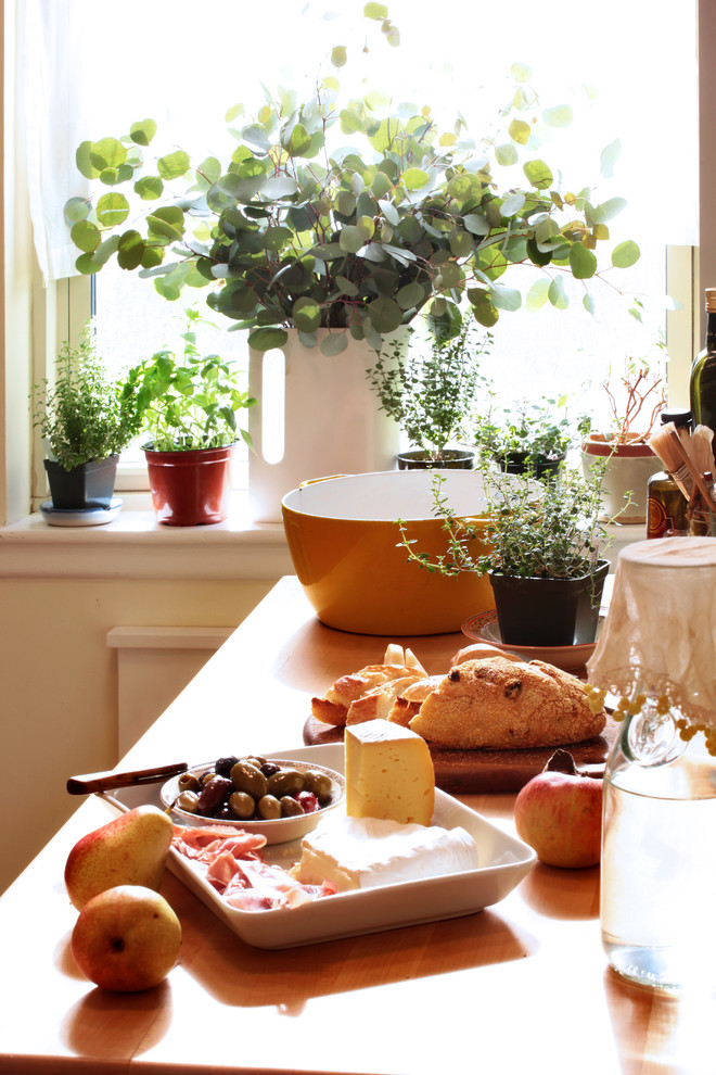 http://kitchensinteriors.ru/wp-content/uploads/contemporary-kitchen-03.jpg