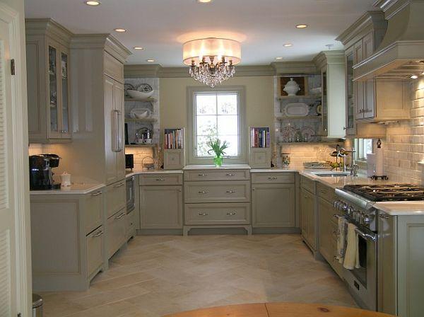 Оригинальный дизайн кухонного гарнитура в классическом стиле