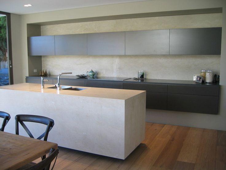 Дизайн интерьера островной кухни в стиле минимализм