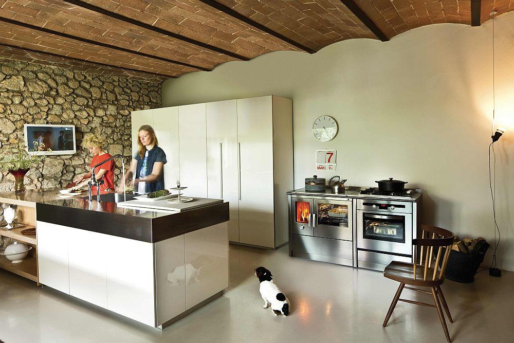 Кухонная печь на дровах от J. Corradi