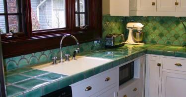Дизайн кухонной столешницы из керамической плитки от Norberry Tile & Plumbing Studio