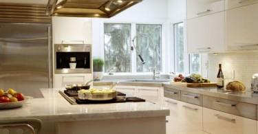 Стильный дизайн интерьера кухни с угловой раковиной