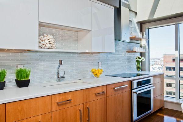 Кухня в стиле минимализм с белыми акцентами