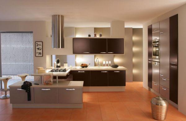 Кухня в стиле минимализм с коричневыми акцентами