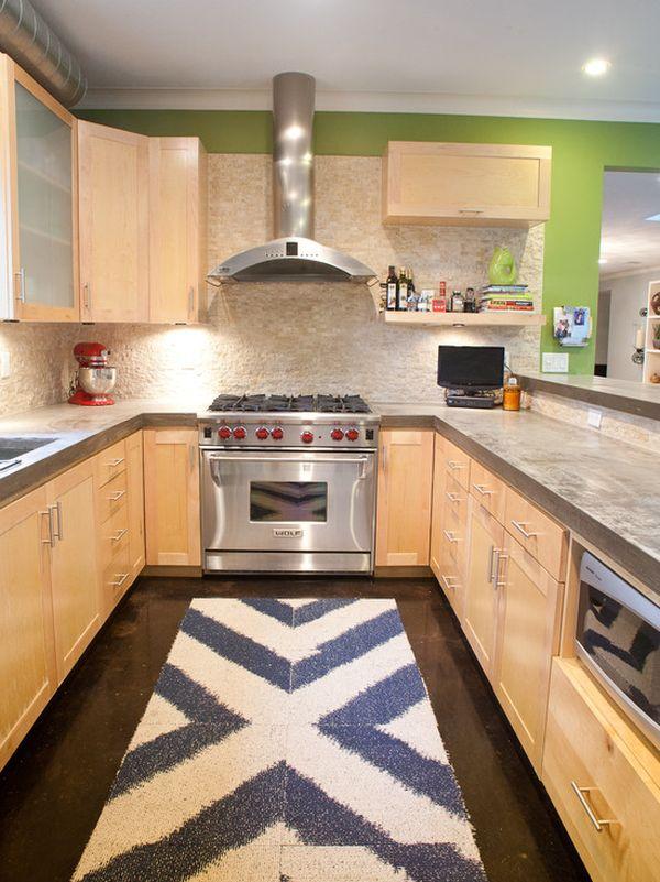 Кухня в стиле минимализм с акцентным ковриком