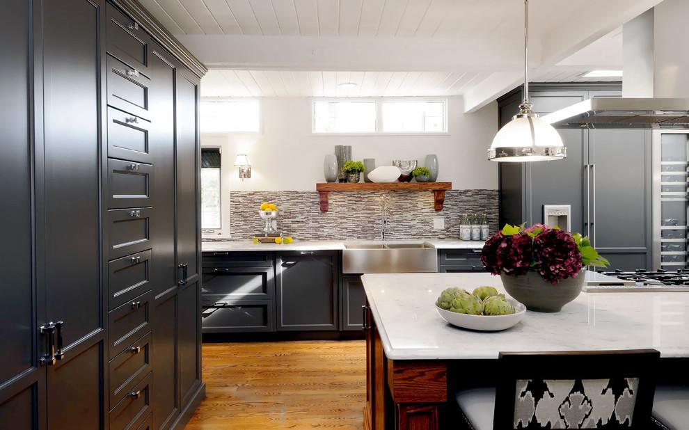 Благородный чёрный цвет в дизайне интерьера кухни