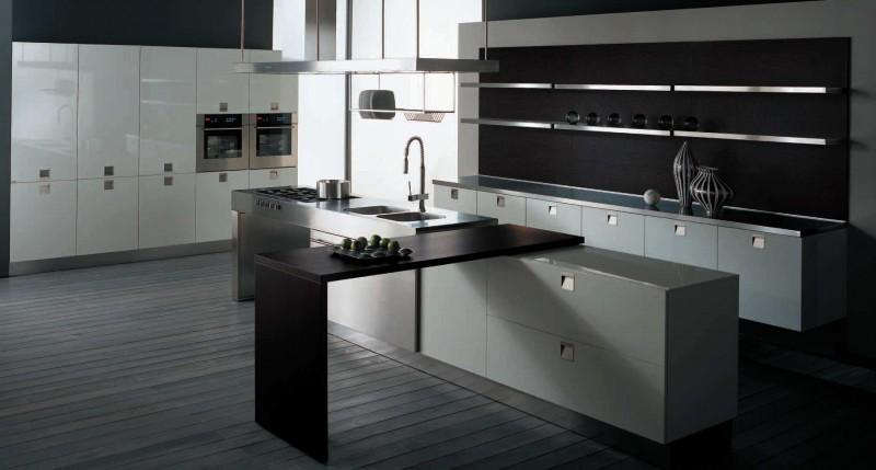 Оригинальный дизайн чёрной кухни Spacious от The Poles Company