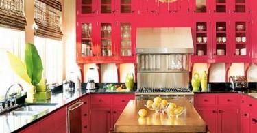Дизайн кухни в розовом цвете