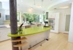 Яркий дизайн интерьера современной кухни от студии RD Architecture