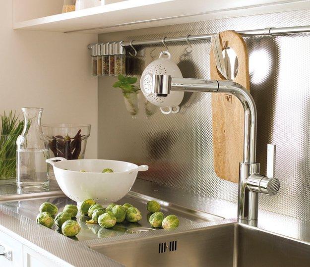 Крючки для кухонных аксессуаров и специй