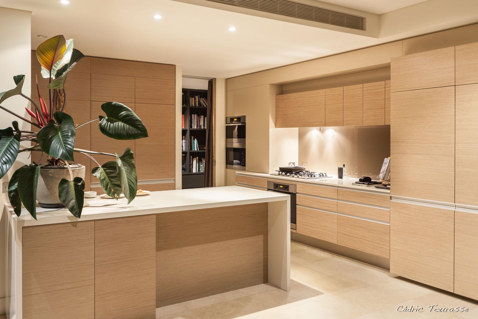 Деревянный кухонный гарнитур - Фото 1