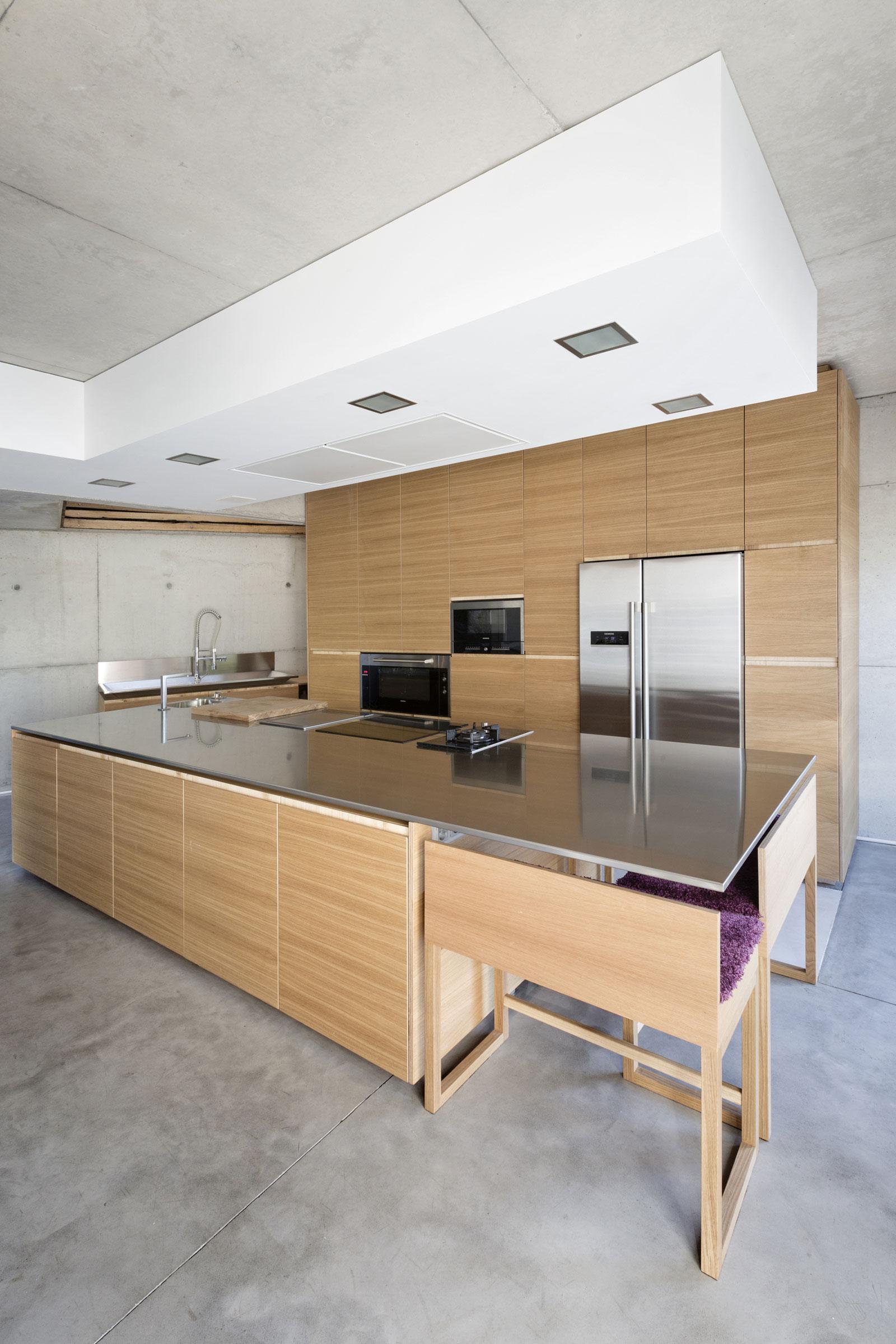 Деревянный кухонный гарнитур - Фото 9