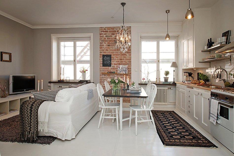 Роскошный деревянный стол на кухне - Фото 46