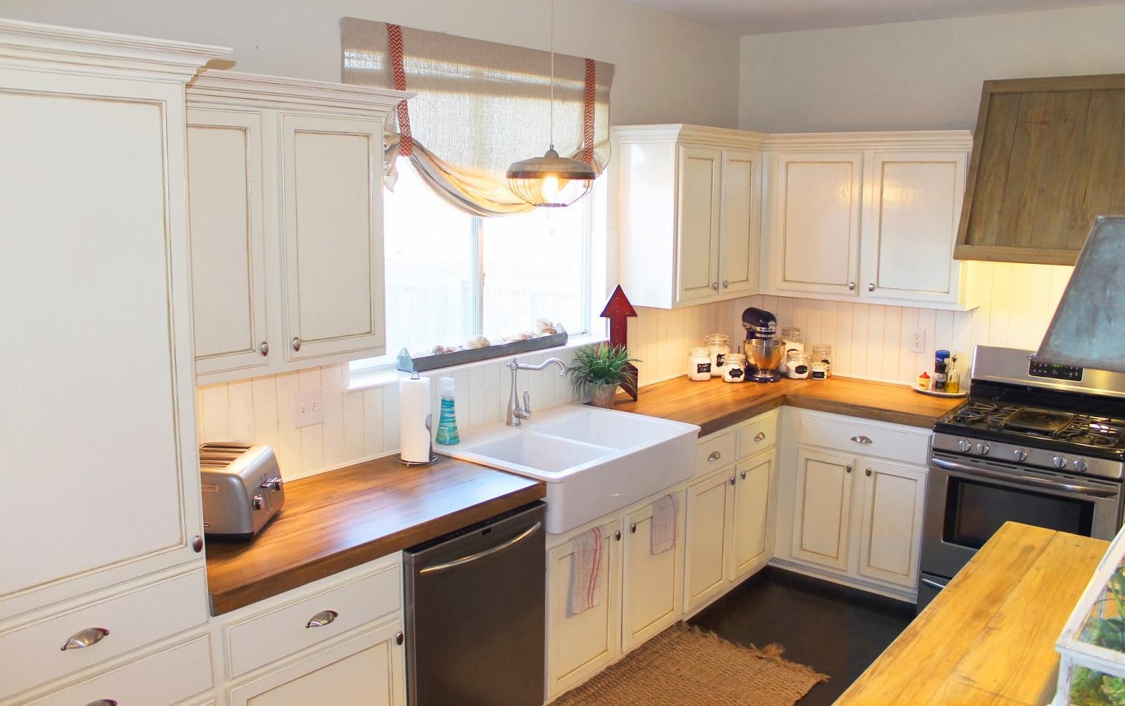 Деревянные кухонные столешницы в светлых тонах - фото 9