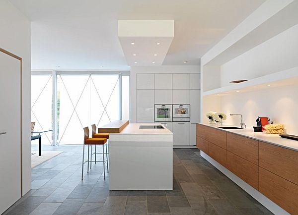 Стильные светильники в современном интерьере кухни