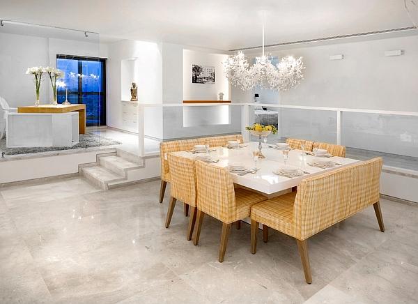 Стильный обеденный стол в современном интерьере столовой