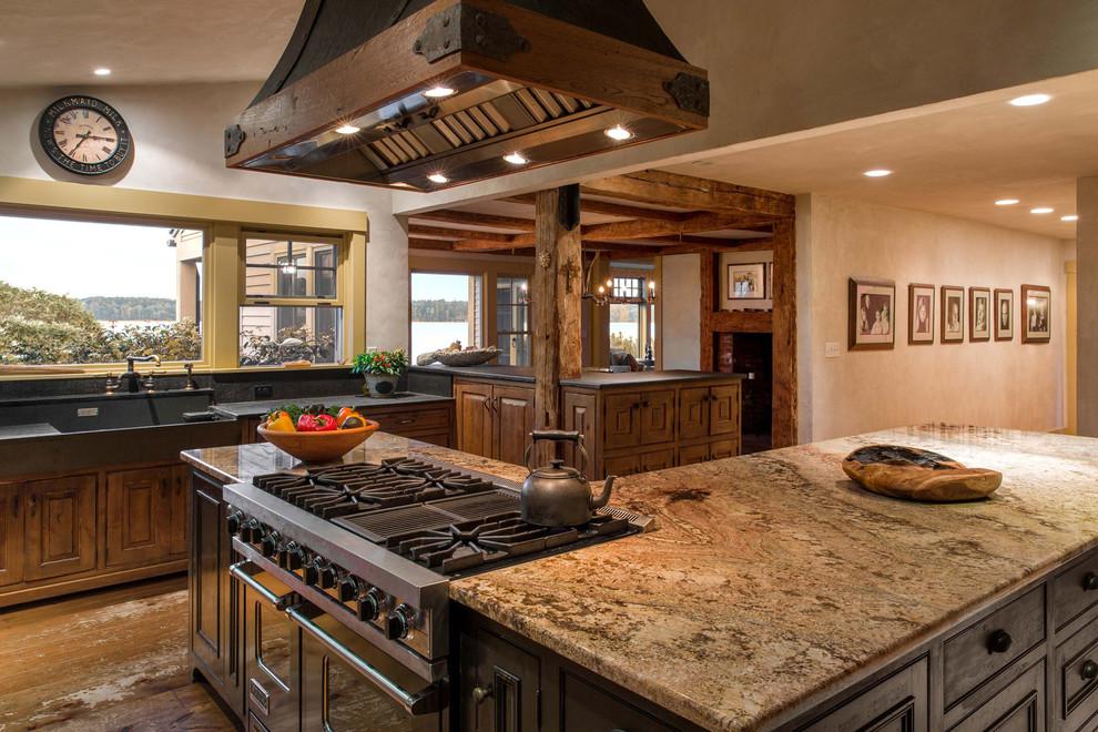 Дизайн кухни в деревенском стиле от Denise Stringer