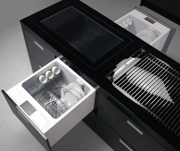 Выдвижные ящики для хранения посуды в кухонном острове