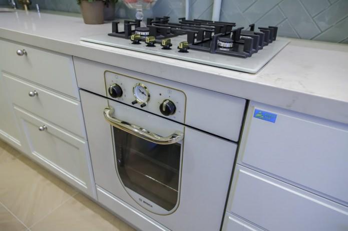 Встроенная кухонная техника: варочная панель и духовой шкаф