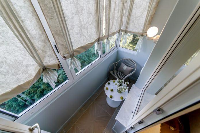 Место отдыха на балконе