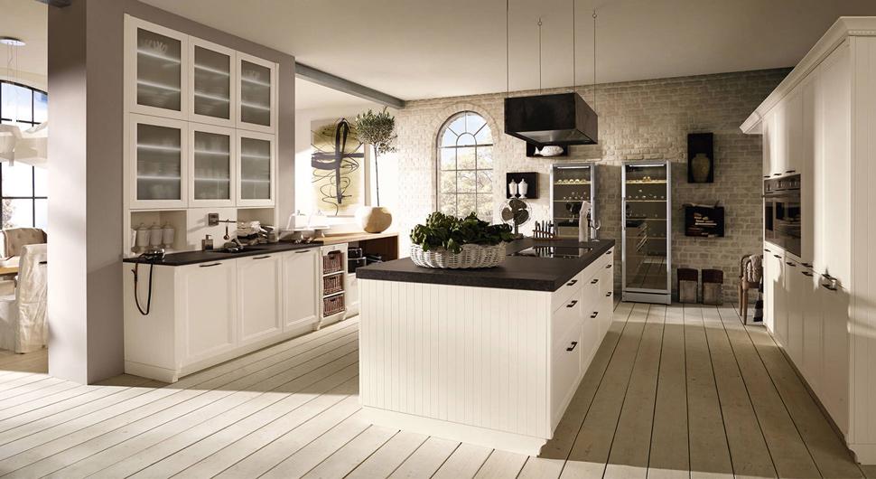 Белый кухонный остров в дизайне интерьера кухни в классическом стиле