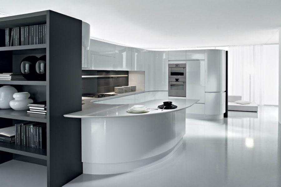 Дизайн кухни с полуостровом - глянцевый пол