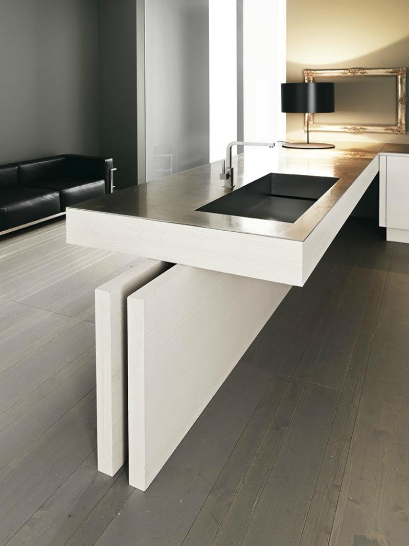 Дизайн кухни с полуостровом - деревянный пол