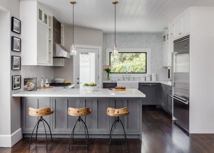 Дизайн кухни с полуостровом. Фото 18