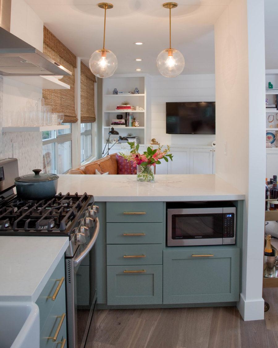 Дизайн кухни с полуостровом. Фото 21