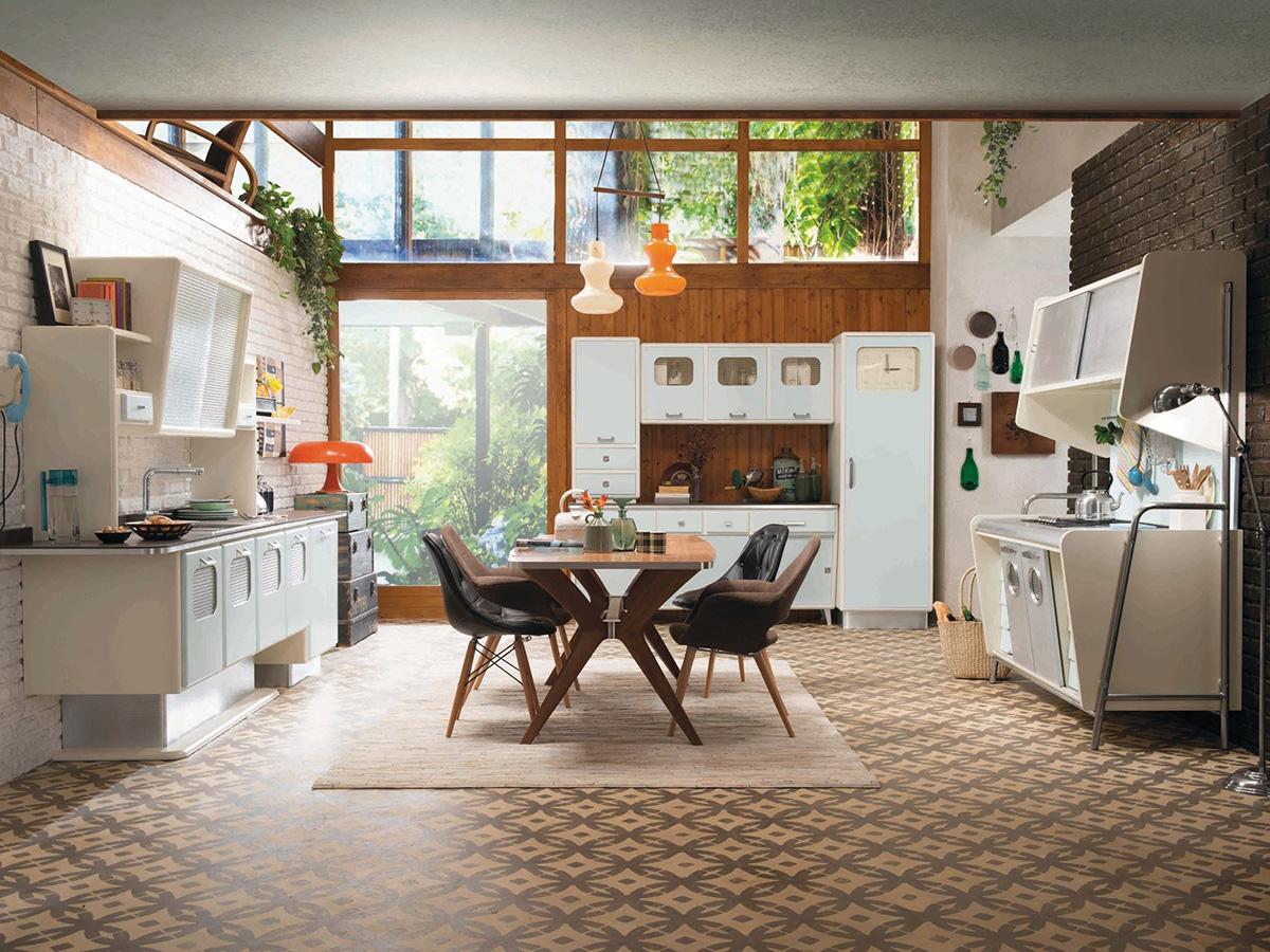 Дизайн кухни в стиле ретро с ярким декором