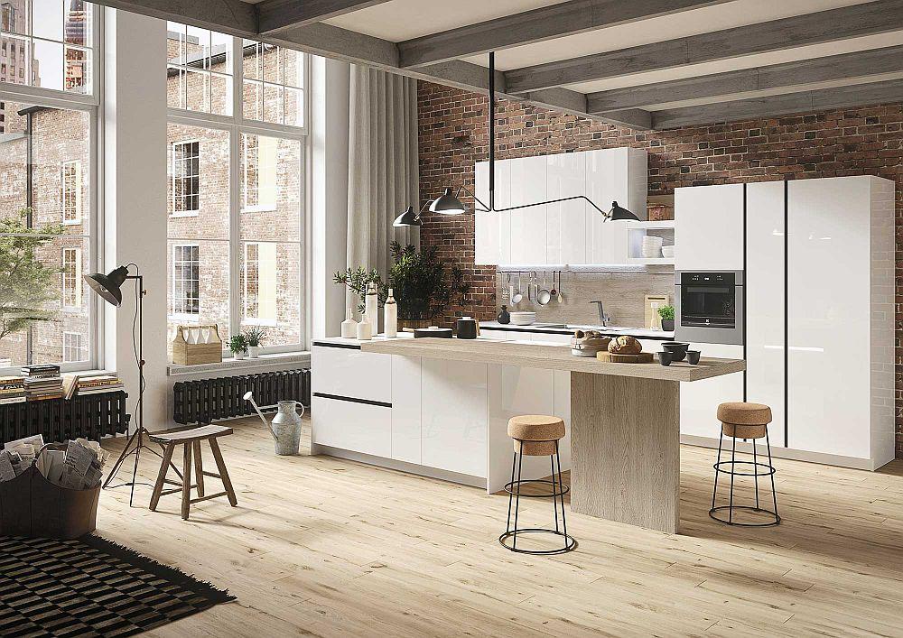 Светлый деревянный пол в дизайне кухни в светлых тонах