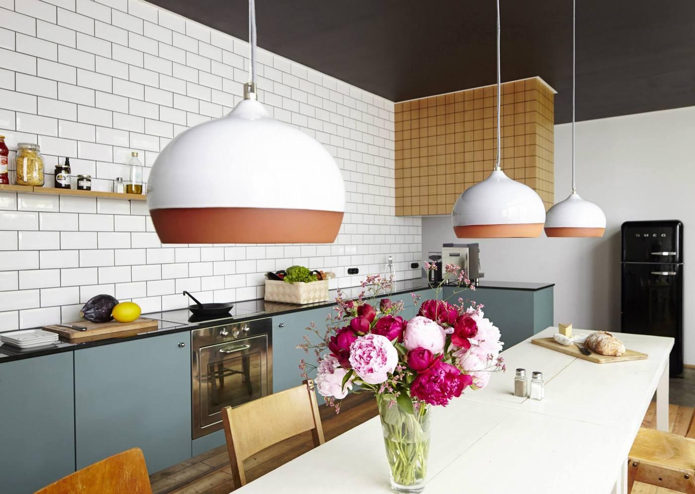 Современный дизайн кухонного фартука плиткой