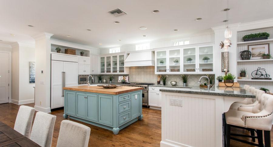 Дизайн кухонного острова в вашем доме - голубые нотки