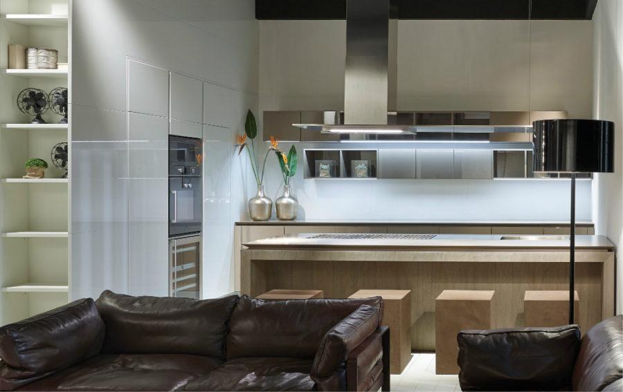 Дизайн кухонной мебели из коллекции FLY Oak Kitchen от RiFRA