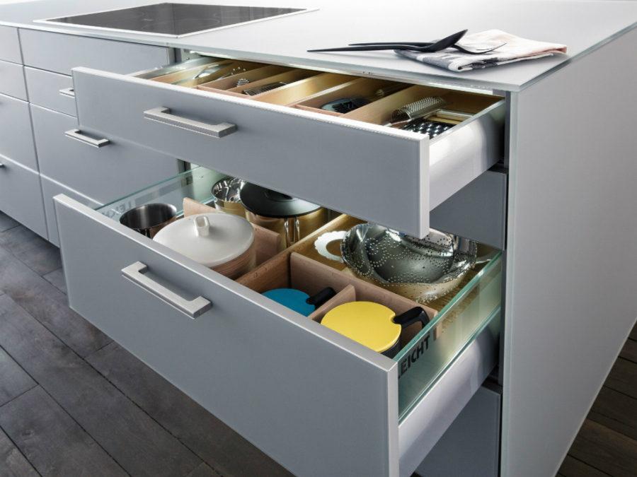 Дизайн кухонных шкафов - полка