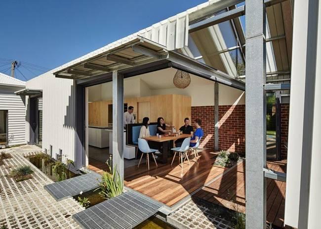 Дизайн летней кухни с раздвижными стенами